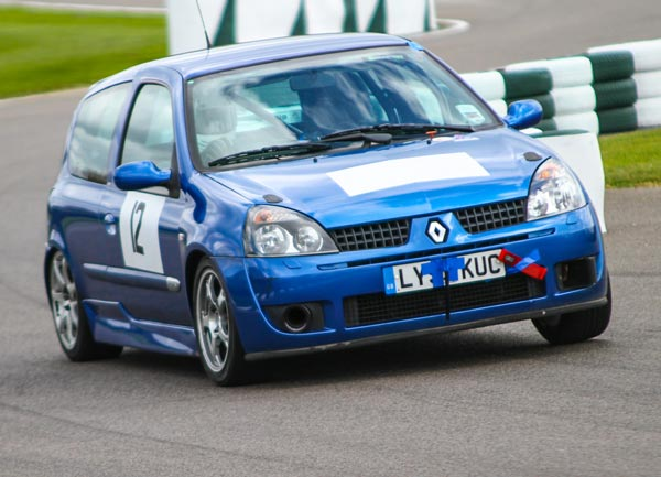 Renault Clio race car built by Kent Motorsport