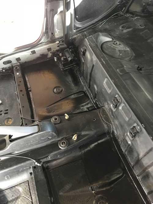Renault Clio 172 half roll cage installation