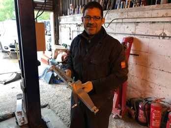 Yaser with an alignment measurement tool