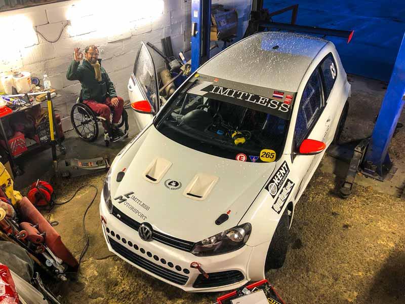 Limitless Motorsport race car set-up